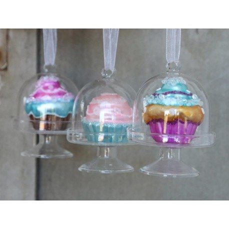 Glass bells w.cupcakes & tinsel