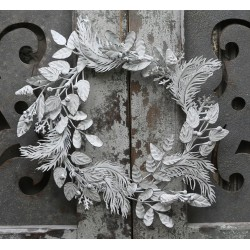 Wreath (X16) w. leaves antique white