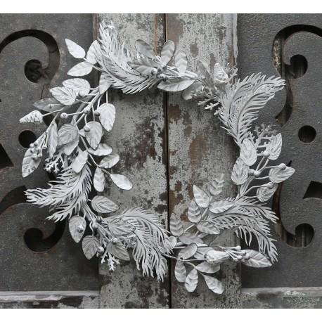 Wreath (X16) w. leaves antique white