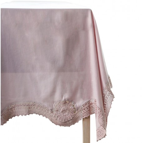 Table cloth w. crochet edge old rose