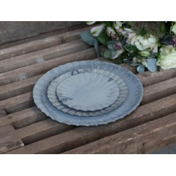 Saucers w. grooves set of 3