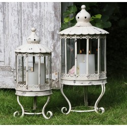 Lantern (S19) with feet & lace edge