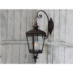 Lantern wall w.holder antique rust
