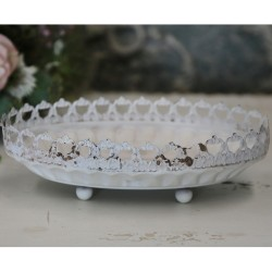 Centrepiece w.lace edge antique cream