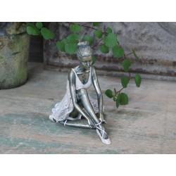 Ballerina sitting old rose
