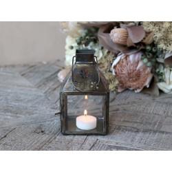 Lantern w. flowery pattern