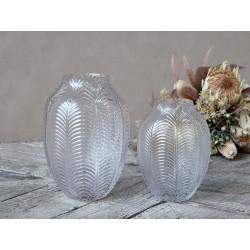 Vase w. leaf pattern