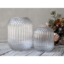 Vase w. checkered pattern