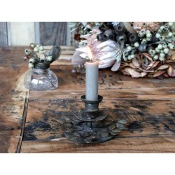 Candlestick w. leaves