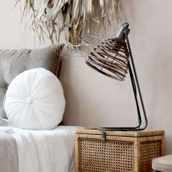 Lamp w. rattan screen