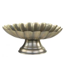 Centrepiece on foot w. grooves